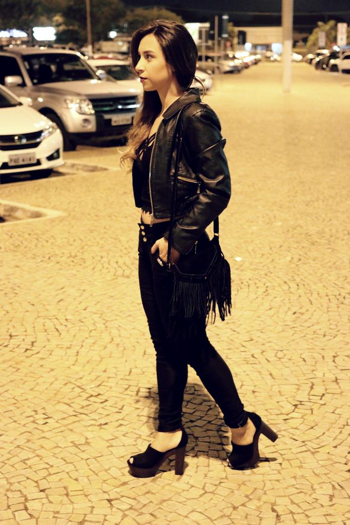 all black (162)