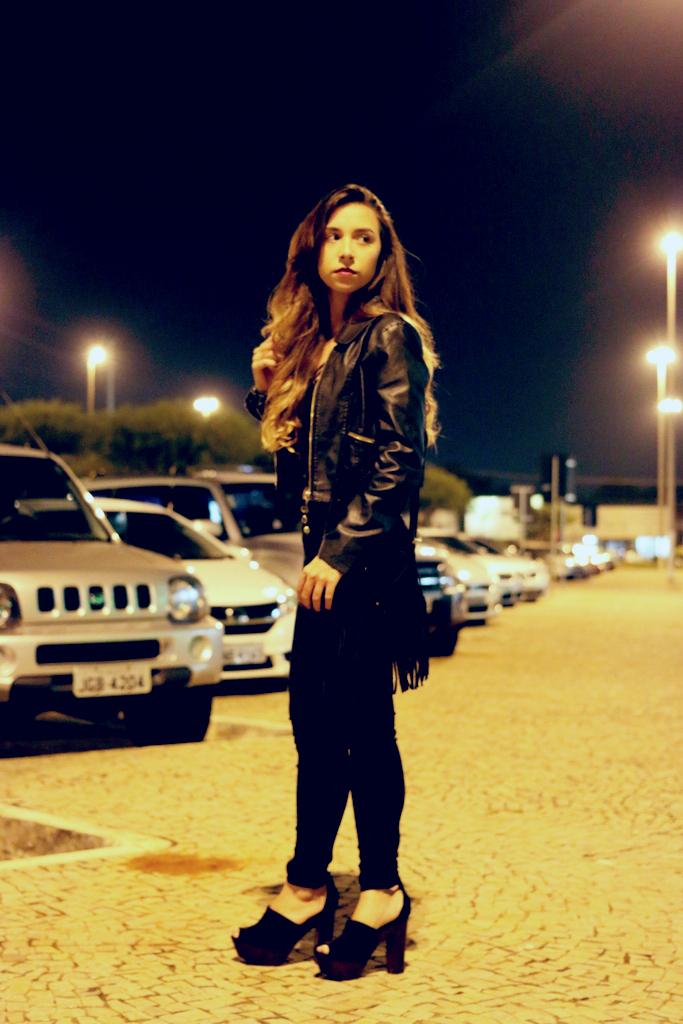 all black (192)